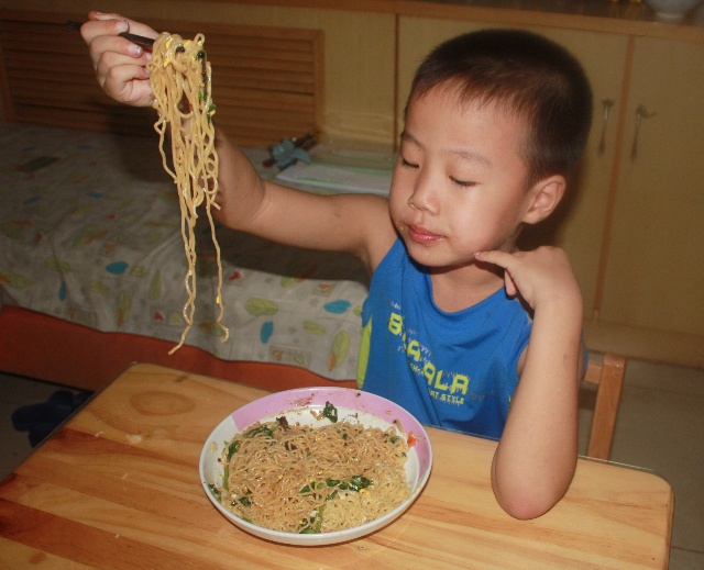 小学生快手早餐系列之四-----干拌面也营养