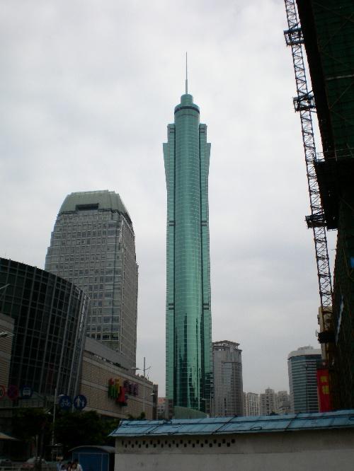 现在是深圳        ,也是全国第一个钢结构