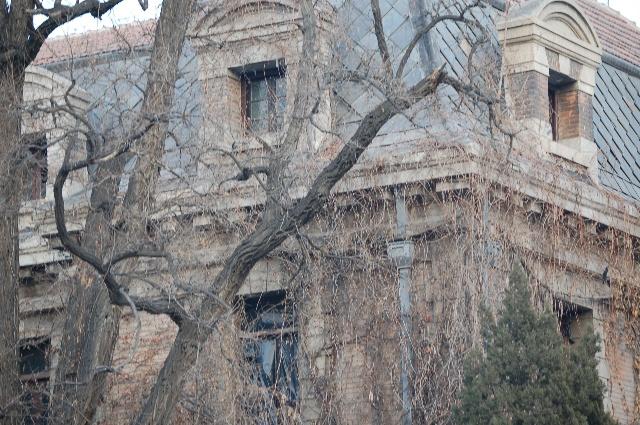 这个颇有欧式风格的宅子在上世纪三