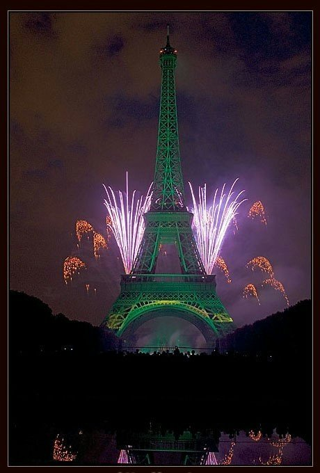 巴黎埃菲尔铁塔的烟火