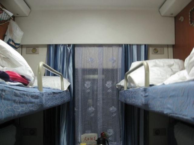z火车硬卧图片_原黎一列火车得一卡是软卧图片