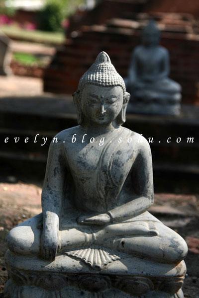 缅甸-烟云中的佛塔-蒲甘-佛塔是路上的风景-纹身