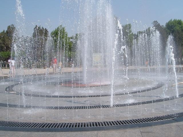 苹果状圆形喷泉