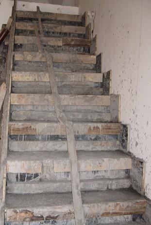 木头楼梯简欧效果图