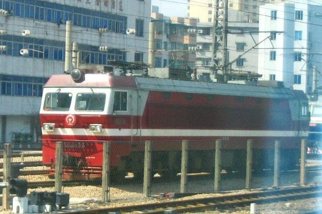 我国铁路应用的电力机车(续二)