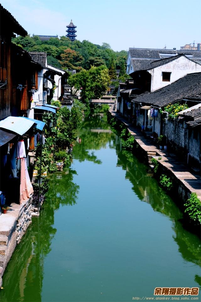 走马观花般的把绍兴城区一些所谓著名的名胜景点遗址几乎逛了个遍.