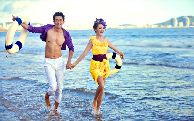 薇薇新娘婚纱摄影 三亚优惠套系 三亚婚纱照样片主题 欢动海岸线图片
